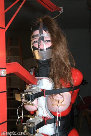 Fuckin machine bondage first time gina 5