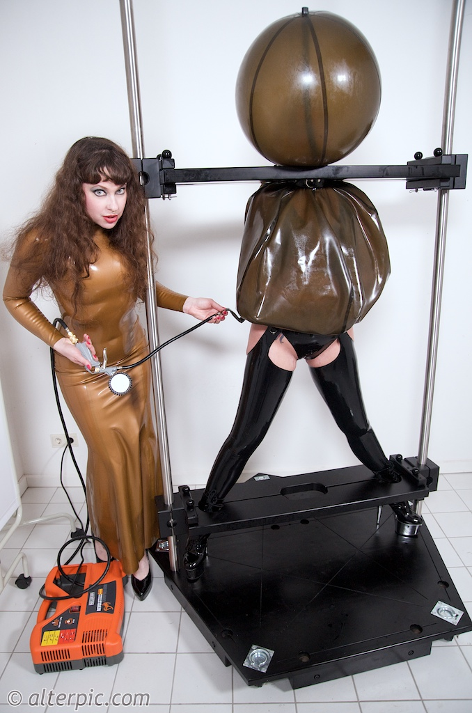 Bondage inflatable hood latex gag